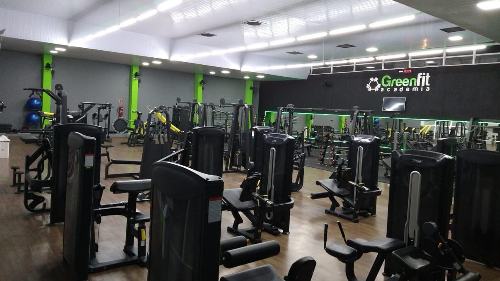 Sala musculação máquinas